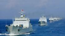 """Hạm đội Nam Hải tập trận tạo thế """"gọng kìm"""" uy hiếp Philippines"""