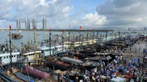 9000 tàu cá Trung Quốc trưa 1/8 đổ ra biển Đông đánh bắt trái phép