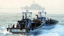 Tàu công vụ Bắc Triều Tiên rượt đuổi 70 tàu cá Trung Quốc