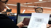 Philippines từ chối đóng dấu tất cả hộ chiếu Trung Quốc