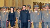 Video: Vợ chồng Kim Jong-un tái xuất hiện sau vụ nổ hạt nhân