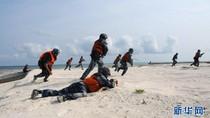 TQ tập trận chiếm đảo Biển Đông, Philippines phái tàu chiến canh gác