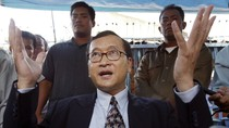 Vua Campuchia từ Trung Quốc trở về, Hun Sen, Sam Rainsy cùng đi đón