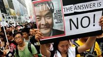 Video: 20 ngàn dân Hồng Kông biểu tình đòi Trưởng đặc khu từ chức