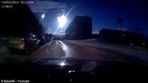 Video: Thiên thạch nổ tung trên bầu trời Nga