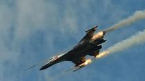 Trung Quốc cắt giảm 2/3 số chuyến bay dân sự để quân đội tập trận