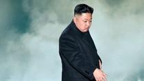 """Ông Kim Jong-un chuẩn bị phóng 2 quả tên lửa """"chào đón"""" Tổng thống Donald Trump?"""