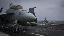 USS Carl Vinson tập trận trên Biển Đông và chuyển động của bộ tứ