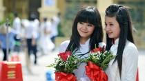 ĐH Thương Mại tưng bừng chào đón tân sinh viên