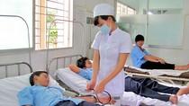 Uống thuốc, gần 20 HS bị ngộ độc; GĐ Trung tâm ngoại ngữ bị vây đòi nợ