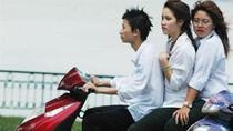 Học sinh Thủ đô vẫn đi xe máy đến trường