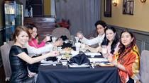 Lý Nhã Kỳ mở tiệc tại nhà chiêu đãi công chúa Thái Lan và tài tử Ấn Độ