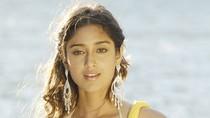 Ngẩn ngơ vì hot girl Ấn Độ của phim remake Ba chàng ngốc
