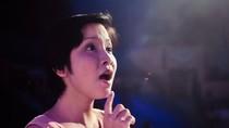 Mỹ Linh váy ngắn hướng dẫn thí sinh Sao Mai điểm hẹn