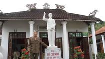 Một người dân ở huyện miền núi tự xây nhà thờ Bác Hồ