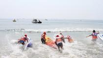 Đà Nẵng tuyên bố nước biển sạch, du khách muốn làm gì cũng được