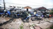 Tập trung khắc phục hậu quả cơn bão số 12, hỗ trợ gạo cho người dân