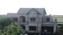Hà Nội: Hàng loạt biệt thự xây dựng trái phép cạnh UBND xã