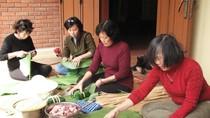 Gia đình Đại tướng Võ Nguyên Giáp gói bánh chưng tại Vũng Chùa - Đảo Yến