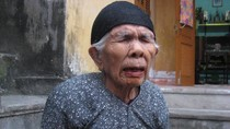 Video: Rớt nước mắt lời kể của mẹ 95 tuổi có con bị tra tấn