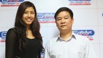 Hoa hậu biển Việt Nam 2010 gửi quà tới HS Suối Giàng
