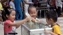 HS, GV, cán bộ trường Hoa Hồng ủng hộ 17.000 bữa cơm thịt