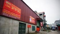 """Video: Người dân """"khu phố Trung Quốc"""" sát vách Hà Nội nói gì?"""