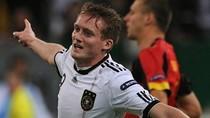 Tổng hợp vòng loại EURO: Bồ Đào Nha làm ngôi sao loạt đá vớt
