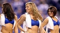 Nữ hoạt náo viên bóng bầu dục Mỹ mê hoặc người xem (phần 1)