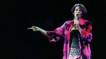 Whitney Houston còn lên sàn nhảy trước khi đột tử