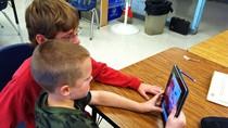 Mỹ khuyến khích học sinh dùng smartphone, tablet trong lớp