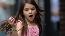 Con gái Tom Cruise sẽ nói tiếng Trung như gió