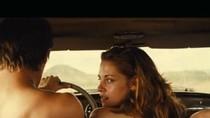 Kristen Stewart lo sợ bị giết sau loạt cảnh nóng