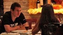 Bỏ tập với Barca, Messi dắt bạn gái sang Paris du hí