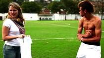 Những khoảnh khắc ngộ nghĩnh ngoài đời của các sao bóng đá (P3)