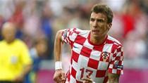 Mandzukic tỏa sáng với 3 bàn: Một phong cách rất... 'du kích'