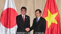 Phó Thủ tướng Phạm Bình Minh tiếp Ngoại trưởng Nhật Bản, Giám đốc WEF