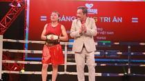 Người Sài Gòn mãn nhãn với sàn đấu boxing lần đầu tiên được tổ chức ngoài trời