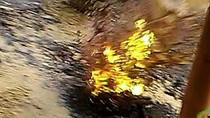 TP. HCM: Mặt đường phát nổ, phun trào như miệng núi lửa