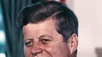 """John Kennedy - Từ """"cậu bé yếu ớt"""" trở thành Tổng thống Mỹ"""