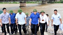 Phó Thủ tướng Trịnh Đình Dũng thị sát, chỉ đạo ứng phó với mưa lũ