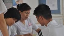 Hỗ trợ bệnh nhân điều trị thuốc kháng HIV có thẻ Bảo hiểm Y tế