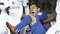 Cận cảnh chấn thương gãy xương chày kinh hãi của David Villa