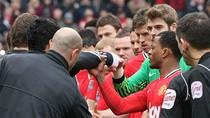 """Sir Alex: """"Suarez là một nỗi ô nhục của Liverpool"""""""