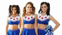 'Nóng mắt' với 3 cô nàng hoạt náo viên váy xanh quyến rũ