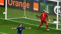 Dư âm Anh - Ý: Loạt sút penalty tuyệt vời qua thơ Tú Anh