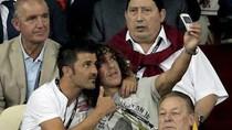 Villa và Puyol cùng nhau chụp ảnh 'tự sướng'