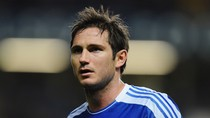 "Lampard chê Benitez để ""nịnh"" Mourinho"