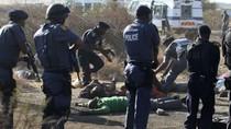 Nam Phi: Cảnh sát nổ súng vào người biểu tình ít nhất 18 người chết