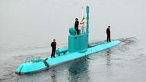 Iran ra mắt tàu ngầm màu xanh ngọc